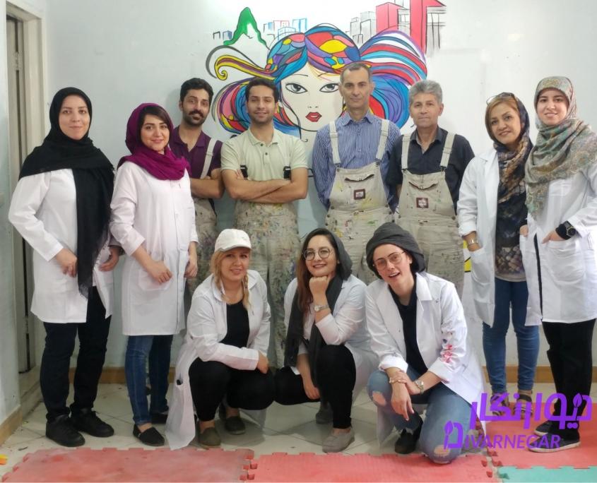 نقاشی روی دیوار 845x684 - دوره آموزش آنلاین و عملی نقاشی دیواری
